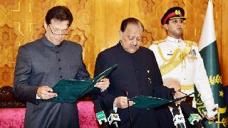 伊姆兰·汗宣誓就任巴基斯坦总理 将组联合政府