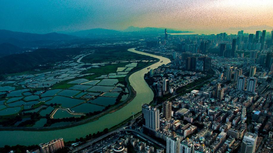 德媒称香港居民点赞居住证新政:在内地生活更便利