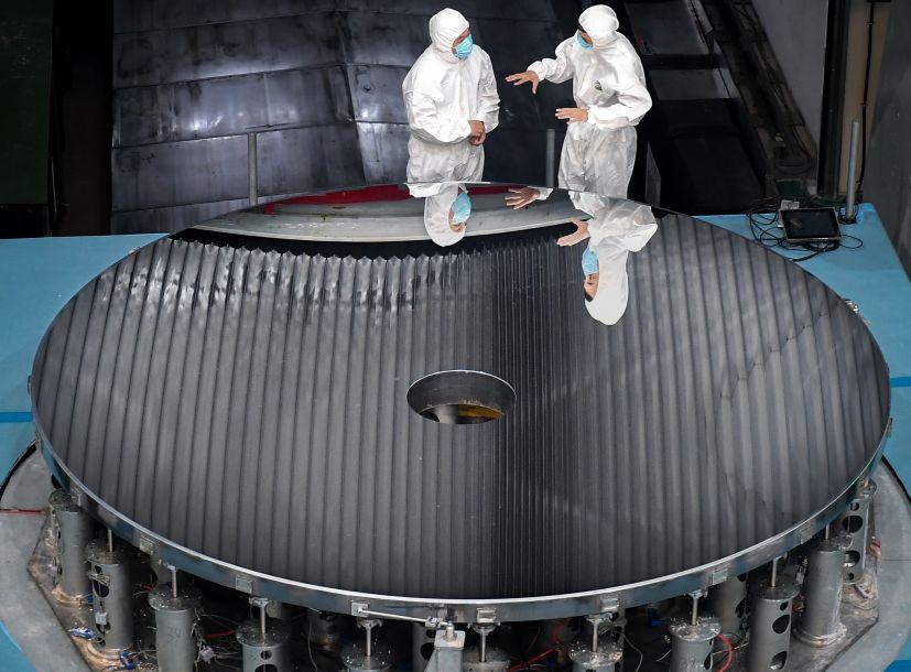 中国研制出4米大口径碳化硅非球面光学反射镜