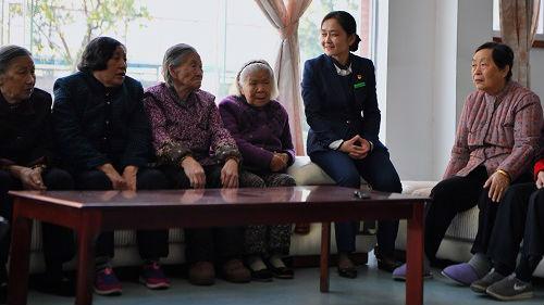 外媒称老龄化对中国是挑战也是机遇:医疗投资将成增长发动机