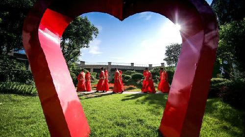 为何中国女性比男性更难找伴侣?港媒:或缘于期望十全十美