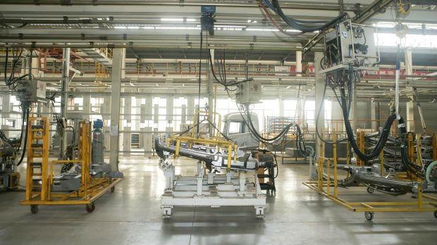 """美媒关注中国""""18号厂房"""":中国工业蓝图藏在这个无尘车间里"""