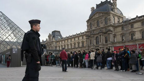 开设专用购物中心!法媒:法国为吸引中国游客费尽心思
