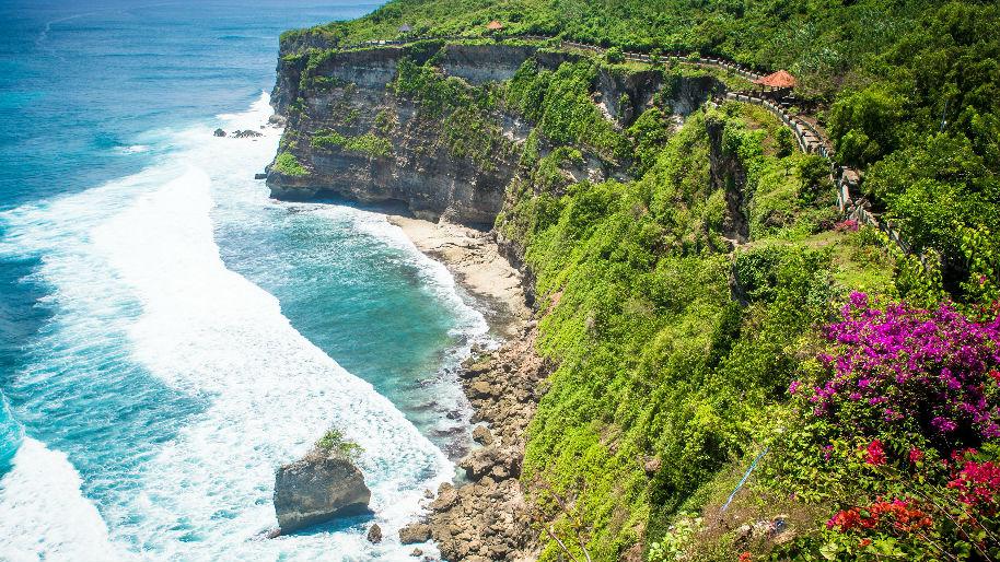 """澳媒:中国""""零团费""""旅游令巴厘岛变""""廉价"""" 游客安全引担忧"""