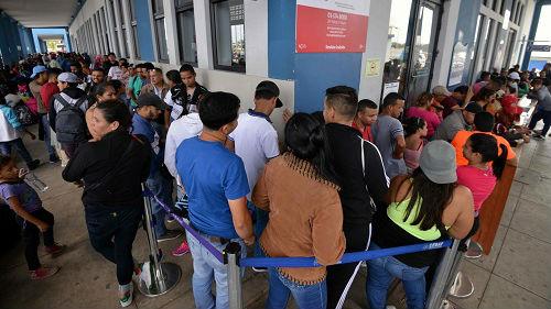 法媒:秘鲁出新政防止委内瑞拉难民涌入