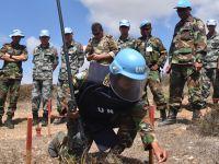 中柬赴黎维和部队组织扫雷作业现场研讨