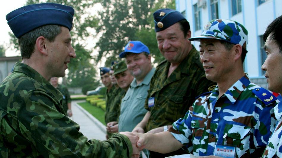 """解放军将赴俄参加""""最大军演"""" 俄媒:中俄关系升至全新高度"""