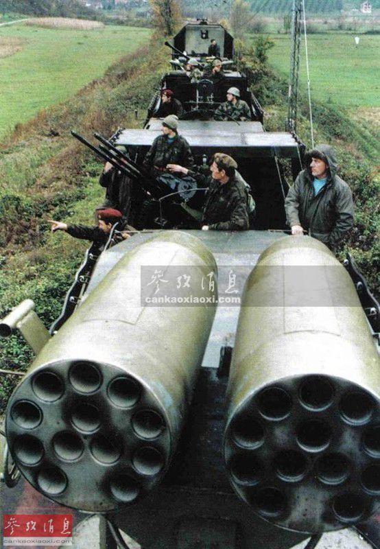 该列车还装有双联57毫米航空火箭巢,原为苏制武直使用,可发射S-5系列火箭弹(混装高爆反坦克弹头或高爆破片弹头),虽射程有限,但火箭弹幕的面杀伤能力强,刚好能与M18的76毫米炮的精确射击形成互补。在一次战斗中,这一组合就成功压制了装备有76毫米火炮和RPG火箭弹的敌军阵地。