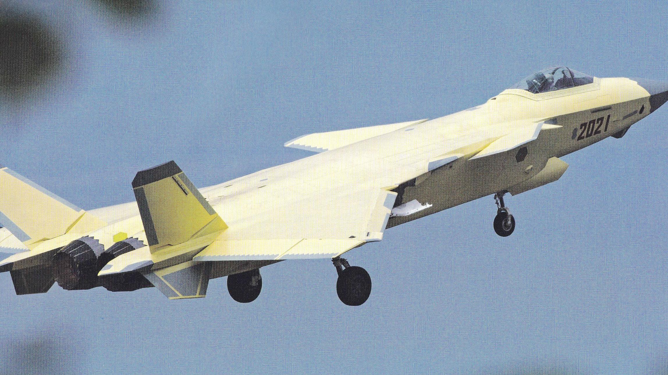 美媒称中国歼-20隐身战机已换装国产发动机试飞