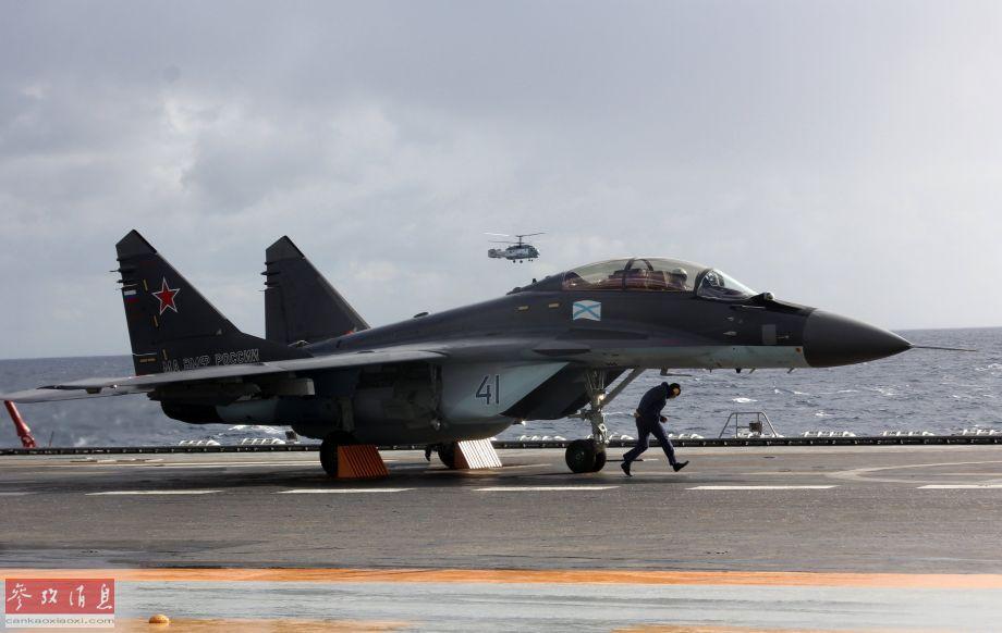 俄高官称航母维修将按期完工 船坞沉没不会影响工程进度