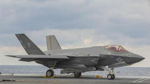 美军舰载版F-35首次发生重大飞行事故 损失超200万美元