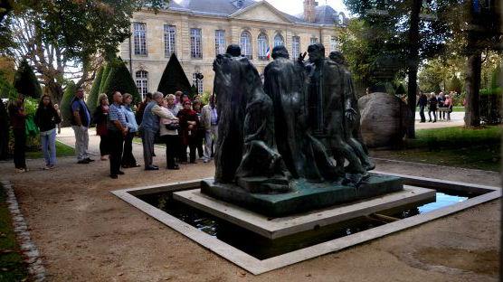 """罗丹雕塑与中国园林相结合?港媒:法国艺术寻求""""落地""""中国"""