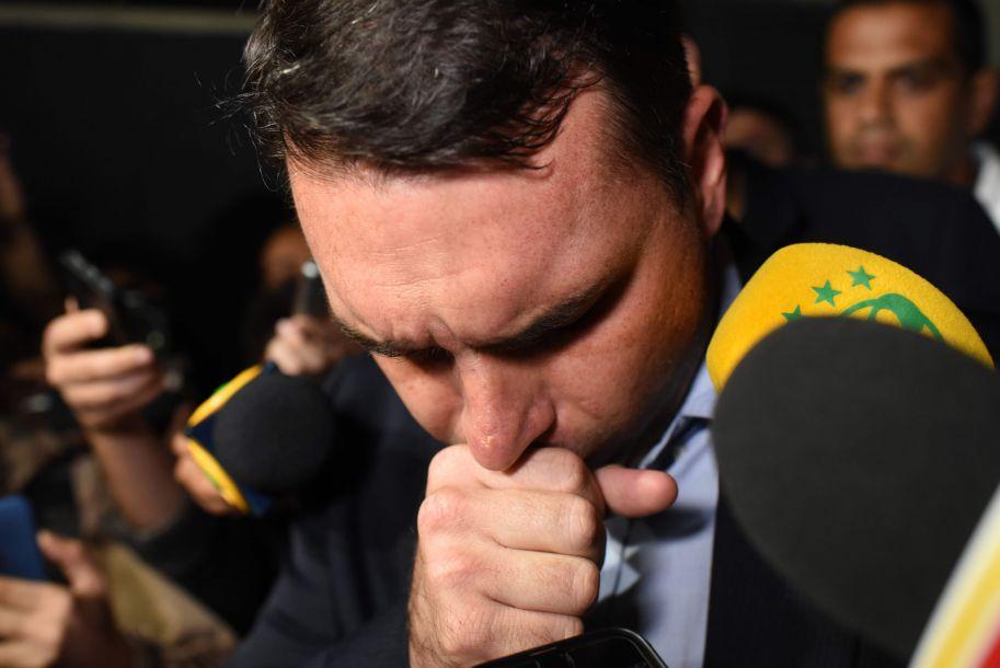 巴西总统候选人遇袭 竞选活动被迫中断