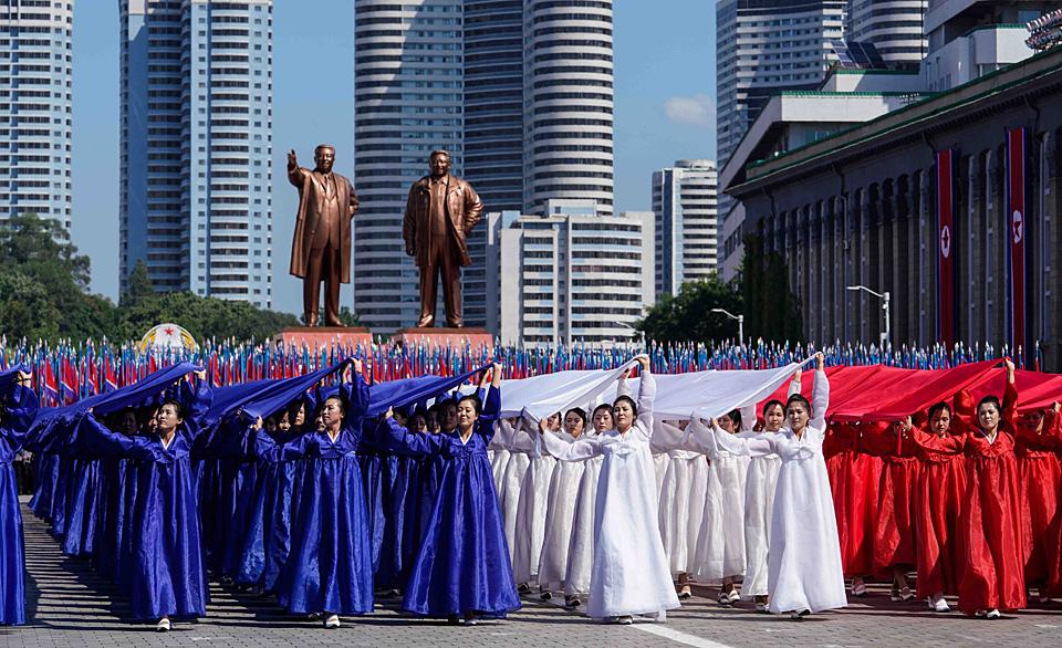 朝鲜举行阅兵集会庆祝建国70周年