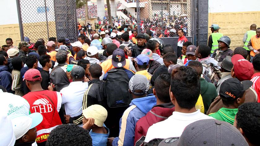 马达加斯加一体育场发生踩踏事故 造成数十人死伤