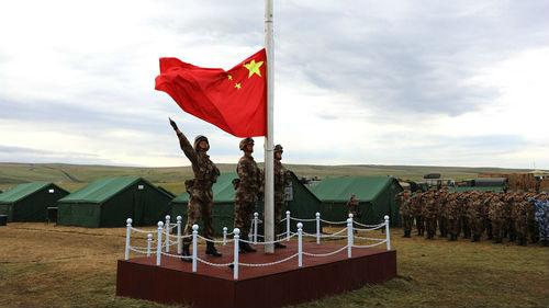 中俄大规模联合演训开启战幕 外媒:两国战略关系日益加深