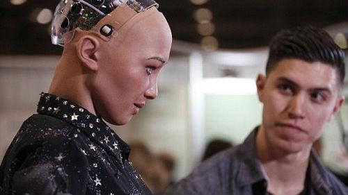 英科学领袖警告:人工智能威胁甚于恐怖主义