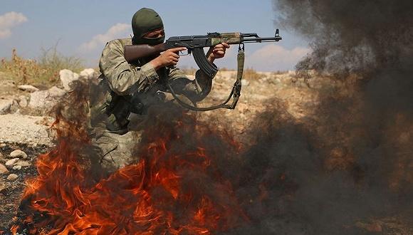 图为盘踞在伊德利卜的叙反对派武装人员