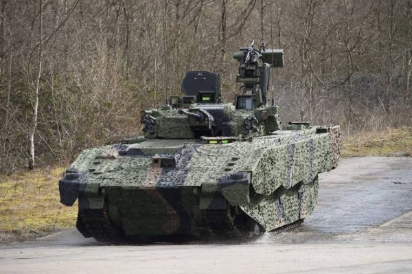 图为英军新型装甲车辆