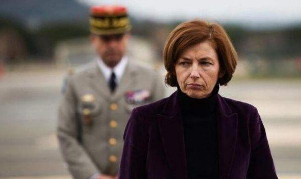 图为法国防长弗洛朗丝·帕利