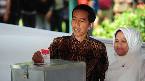 """印尼总统批贸易战:""""复仇者联盟""""将共抗""""灭霸"""""""