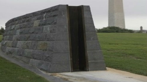 """""""怪兽级""""飓风恐危及美千万人 华盛顿或启用防洪墙保护白宫"""