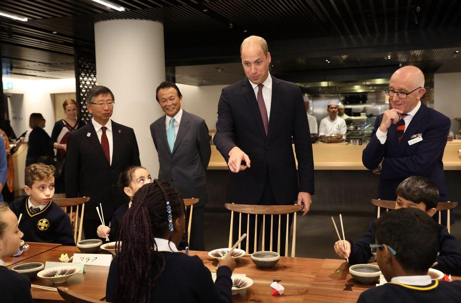 超尴尬!威廉王子竟然把日本说成怎么能挣钱