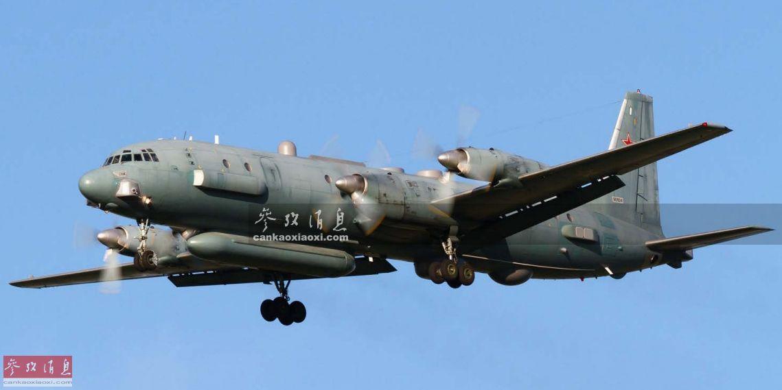 据俄国防部发布消息称,当地时间9月17日23时(北京时间9月18日4时),一架载有15名机组人员的伊尔-20电子侦察机在距离叙利亚海岸36公里处的地中海上空,遭到叙军发射的S-200地空导弹误击坠毁,机组人员全部遇难。此次伊尔-20被击落是俄军参与叙内战以来损失的又一种军机,目前为止俄军在叙损失的机型几乎涵盖了现役的大部分主力战机,本文就此为您简要回顾,俄军这几年到底都损失了哪些机型。59