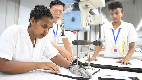 美媒关注中国企业家扎根非洲:从经营鞋厂到创办服装公司