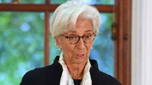 拉加德警告:英国硬脱欧将带来衰退风险