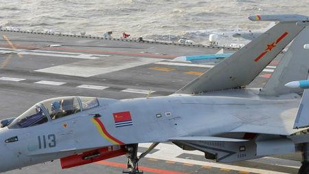 港媒关注中国海军严选舰载机飞行学员:或为航母积累人才