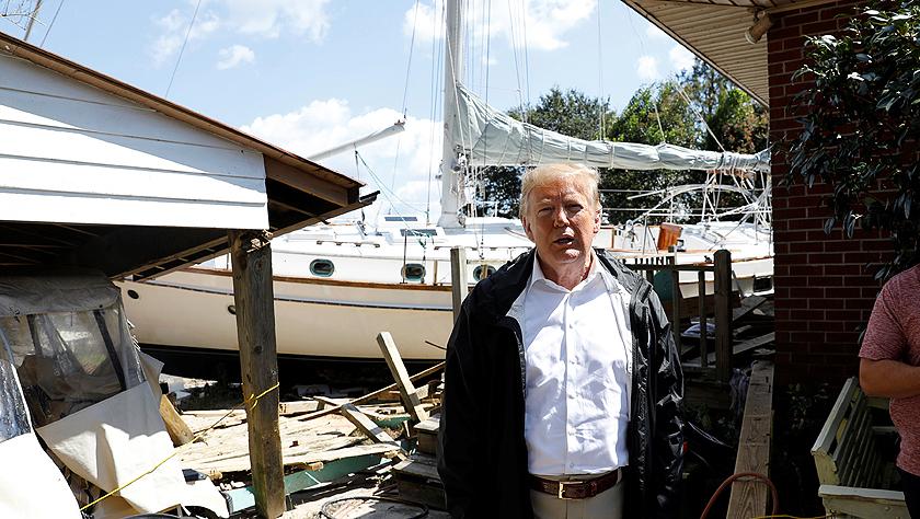 特朗普慰问飓风受灾者:至少你得了艘船,玩得开心