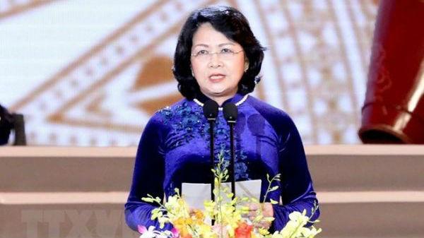 越媒称邓氏玉盛出任国家代主席:成越南首位女元首