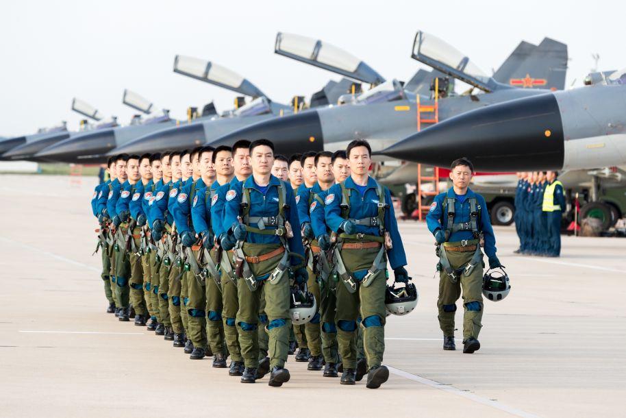 """中国空军""""先锋飞行大队""""传承胜战基因提升打赢本领记事"""