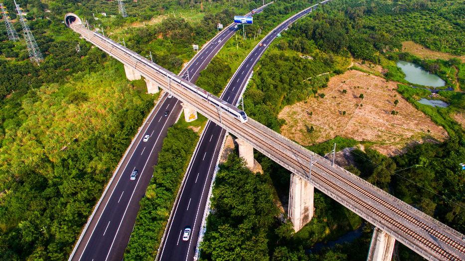 西媒:金融危机十年中国不断崛起 对世界经济增长贡献远超美