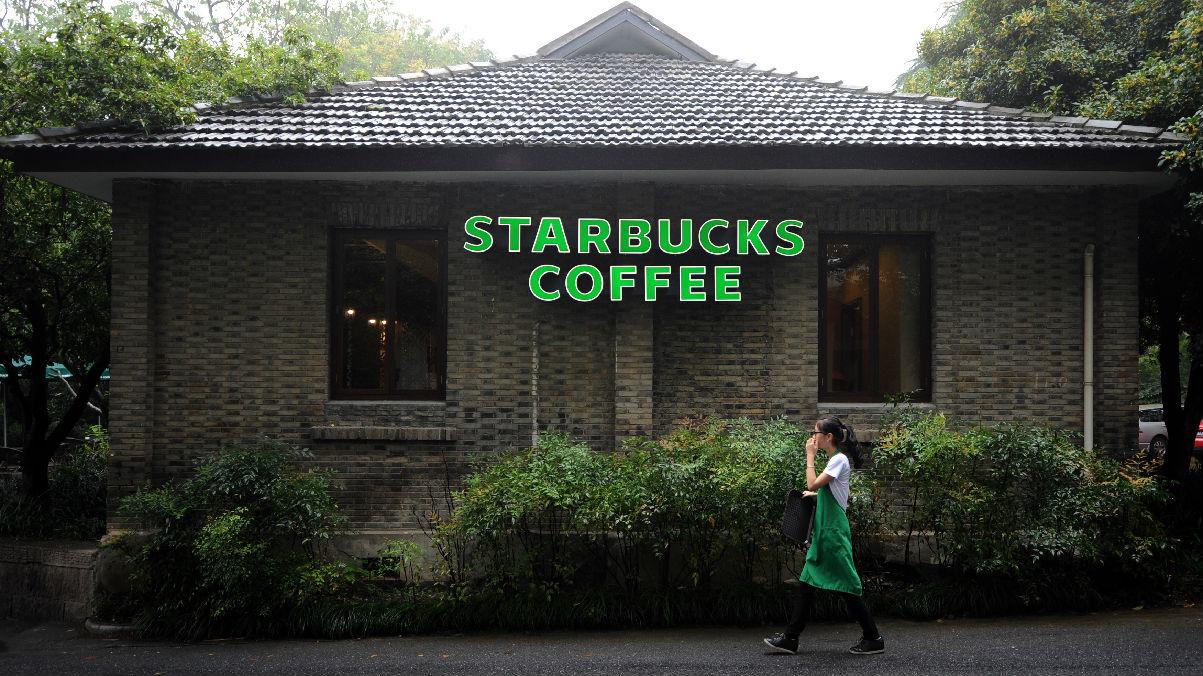 美媒称国际大牌努力转型适应中国市场:中国消费者很难迎合