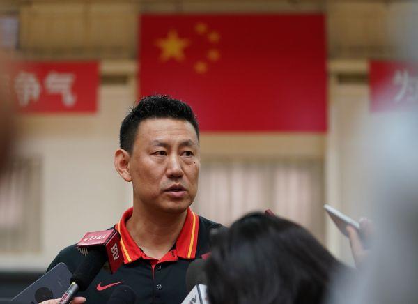 北京快乐8是谁开奖的:中国男篮两队合并在即_板凳深了李楠选人是否也犯愁?