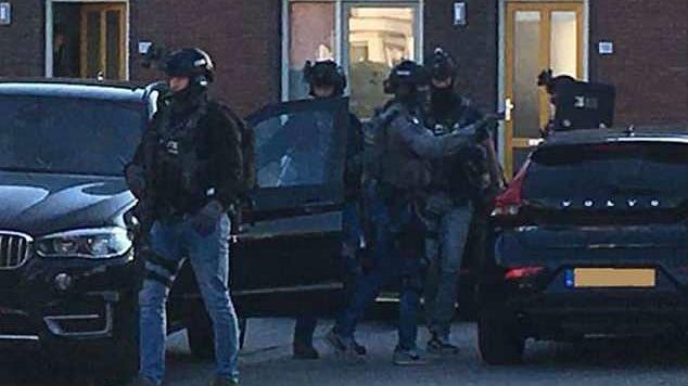 """荷兰警方挫败重大恐袭图谋 七名嫌犯伺机制造""""大规模杀戮"""""""