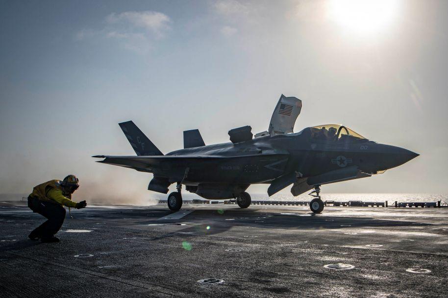 """美""""史上最贵""""战机F-35首次发生坠机事故"""