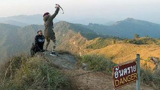 """英媒:科学家呼吁景点划定""""非自拍区""""以避免游客死亡"""