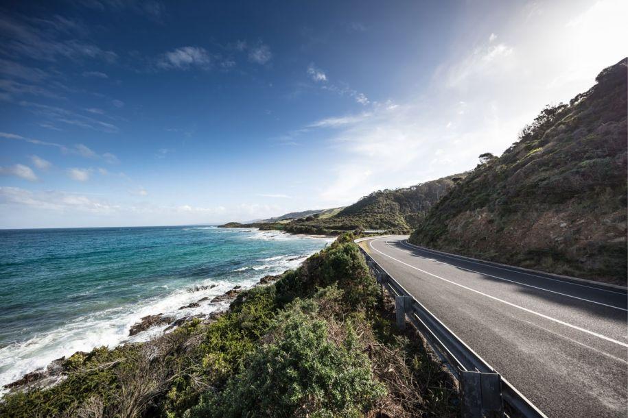 自驾游爱好者的梦:这十条公路可以带你驶向天空的尽头