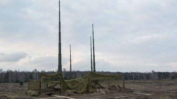 """俄陆军将获""""电子伞""""保护:一套系统可同时压制多架预警机"""