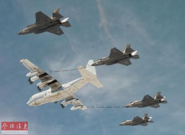 资料图:F-35B与KC-130进行多机编队加油训练。