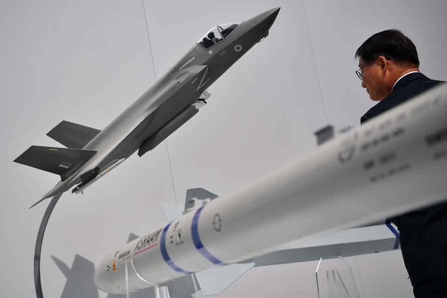 美国防部宣布所有F-35战机暂时停飞