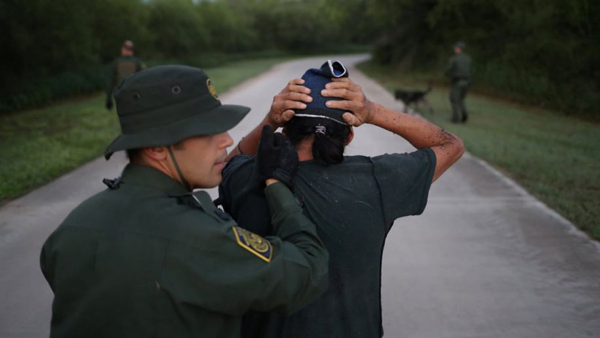 """就算""""美国梦""""秒碎,这些非法移民也愿冒生命危险尝试"""