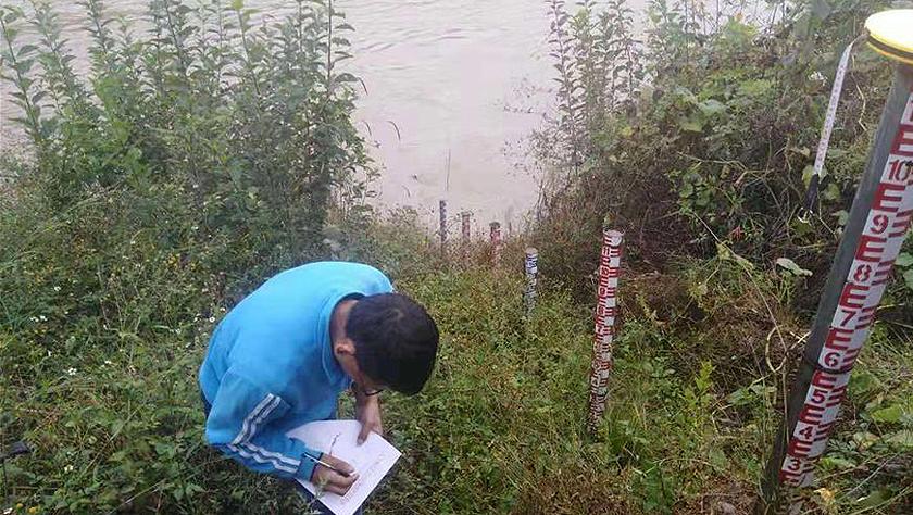 金沙江堰塞湖过流洪峰进入丽江 近千名群众紧急转移