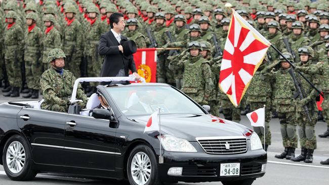 美媒称日本自卫队高调表现意在制衡中国 助推武器外销