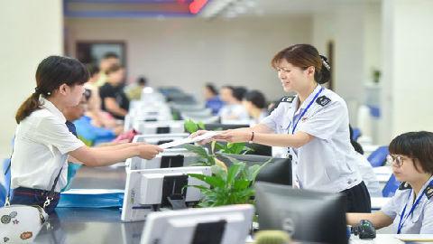 中国新个税优惠措施引港媒关注:将降低住房、教育和医疗成本