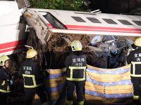 台湾铁路列车出轨事故已致18人死亡178人受伤