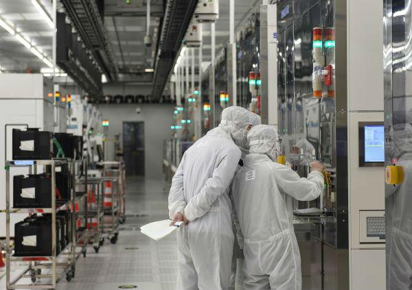 日媒:中國半導體企業繞開美國 商討從歐洲購買最尖端設備